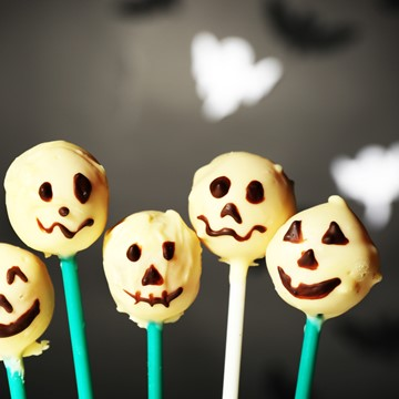Recipe - Halloween Cake Pops