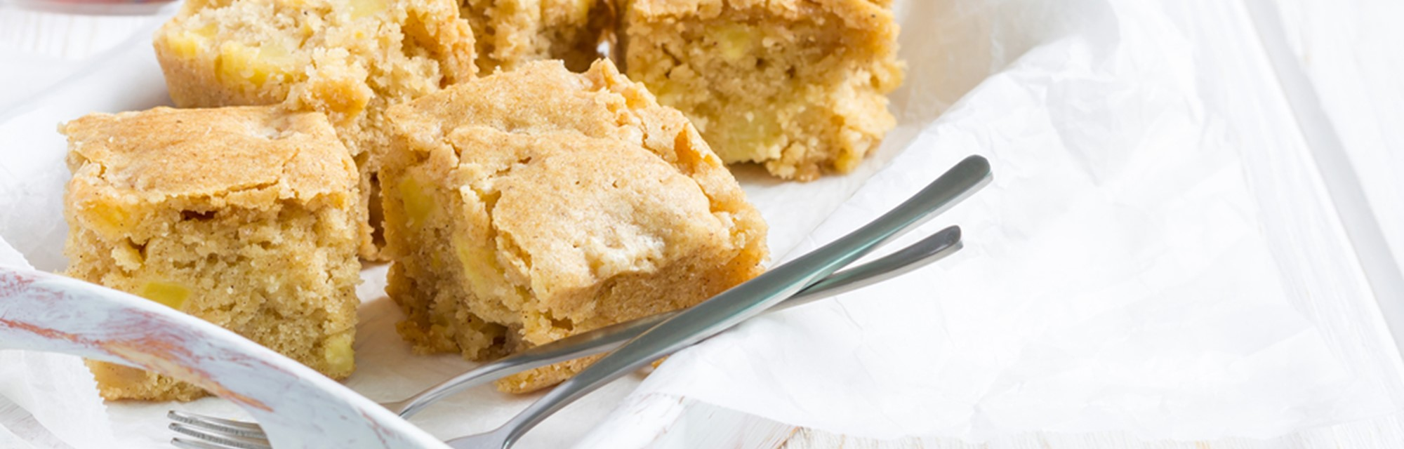 The Ultimate Custard Cream Blondie Recipe